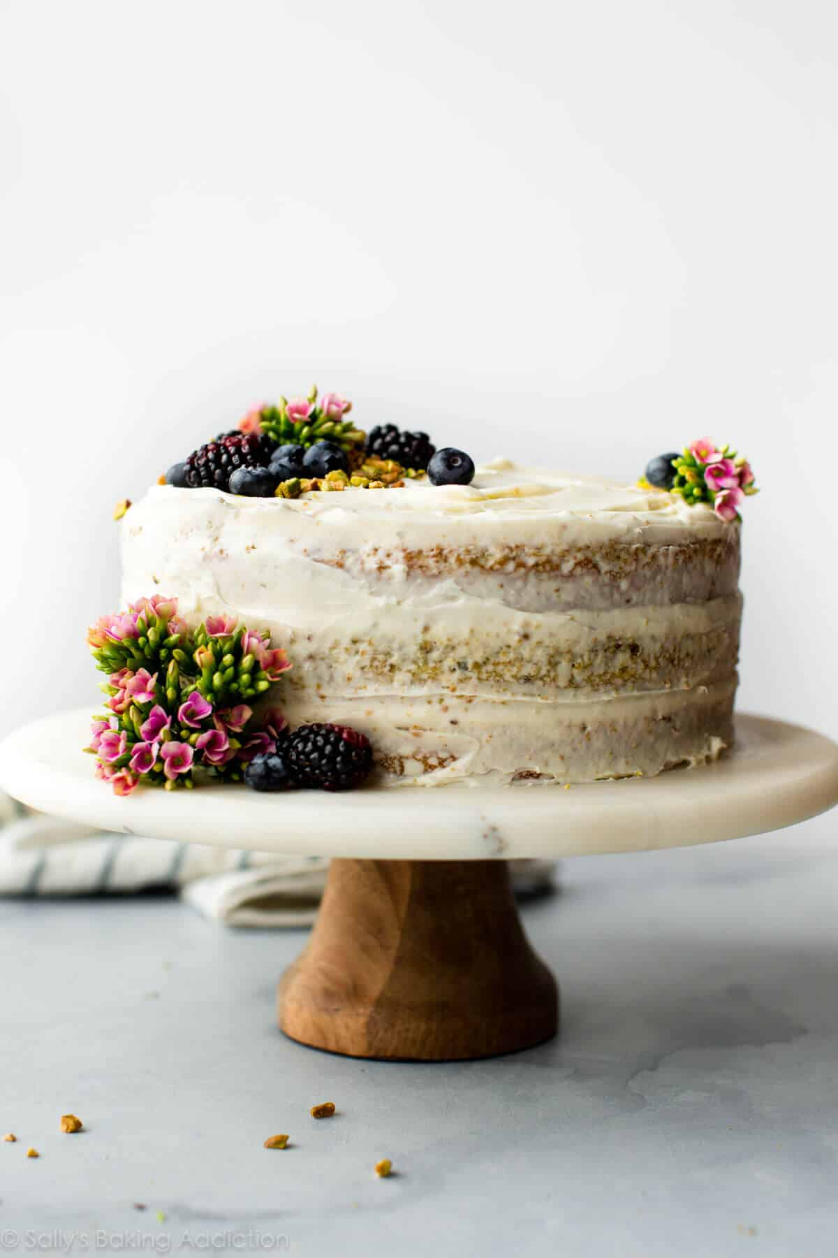 How To Decorate A Naked Fake Cake